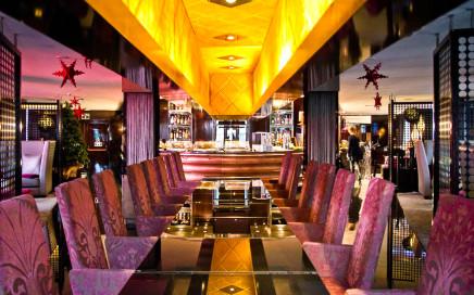 Design-Hotel Vincci Capitol mit Blick auf die Gran Via in Madrid
